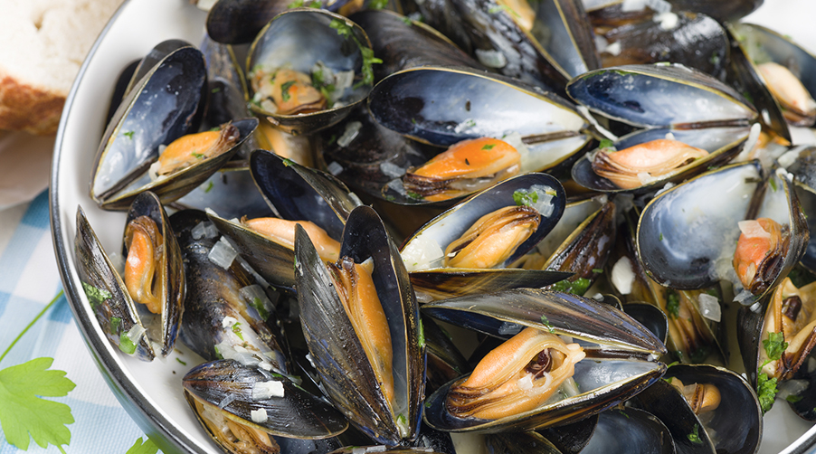 Baked Garlic & Parsley Mussels