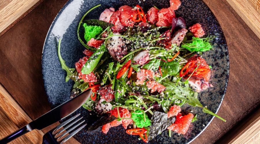Octopus and grapefruit salad