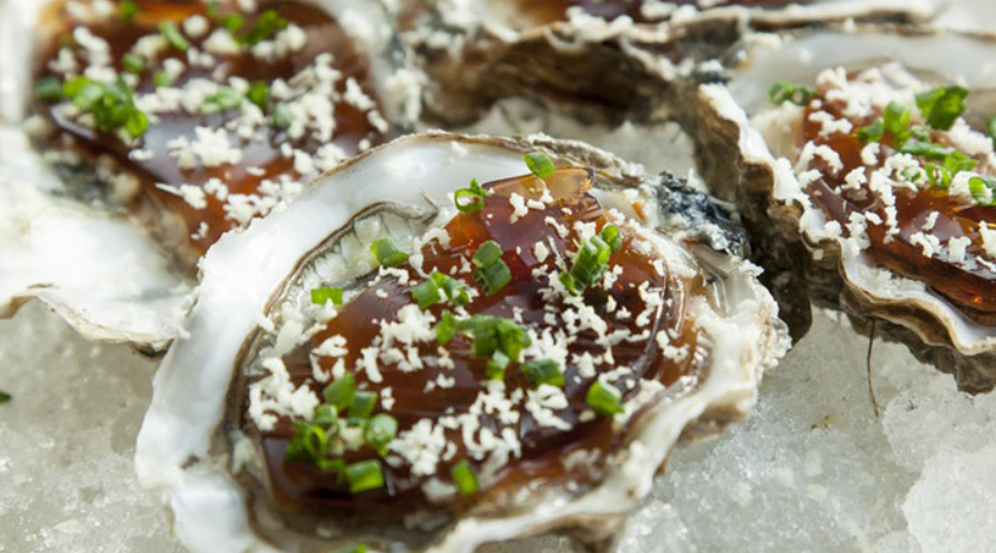 Oysters with beef and horseradish jelly